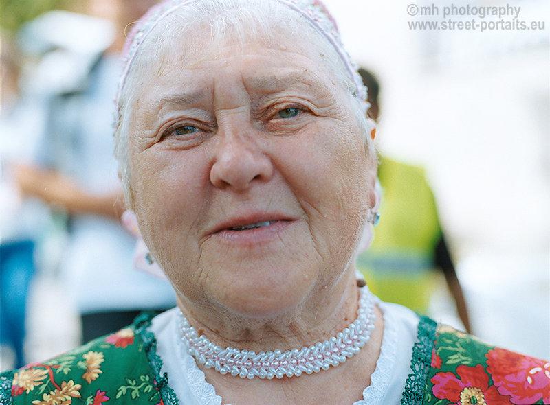 traditional lady 1 - hontianska paráda - hrušov - slovakia